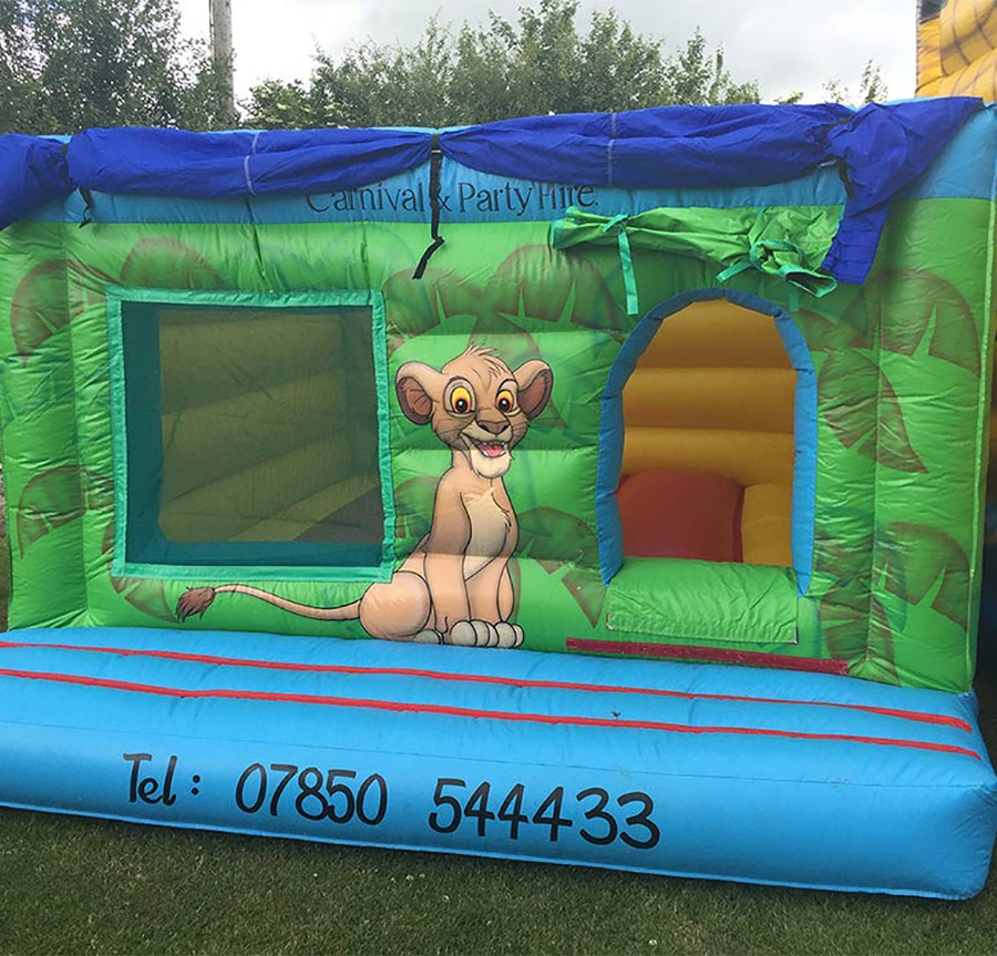 jungle-indoor-bouncy-castle-hire