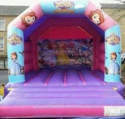 sofia-the-first-bouncy-castle