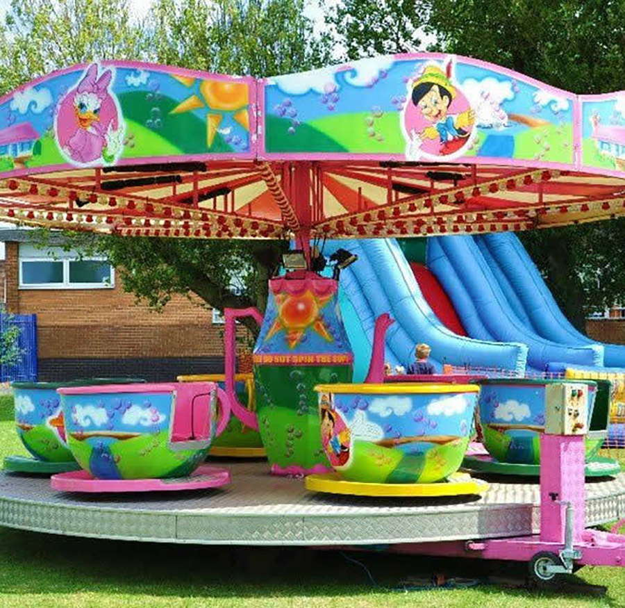 Cup-and-saucer-fairground-ride2